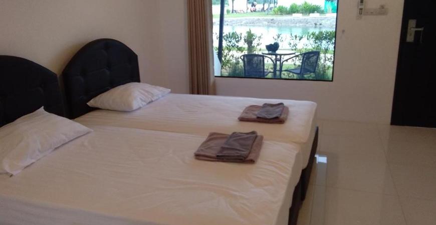 09-IWP Wake Park & Resort Hotel