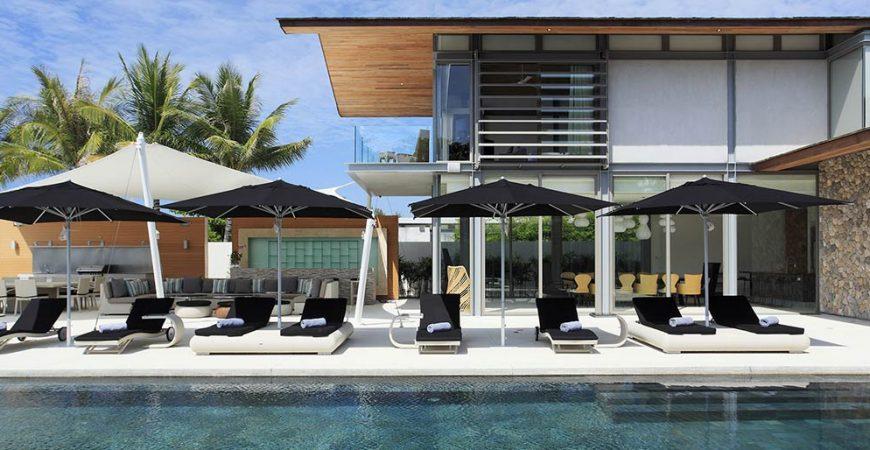 1. Villa Tievoli - Sun loungers by the pool