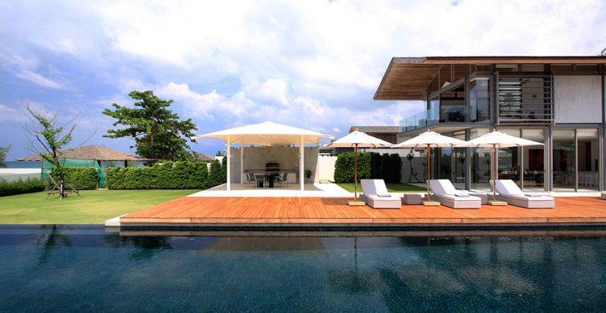 11-Villa Amarelo - Poolside sun loungers