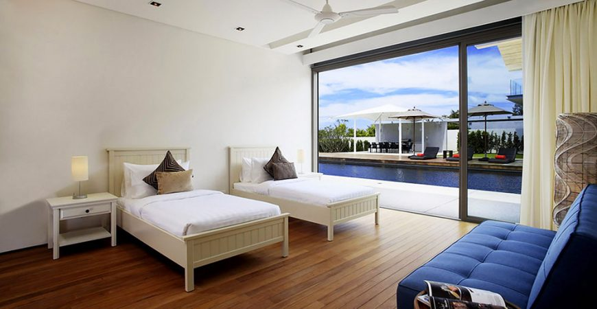 12. Villa Cielo - Twin bedroom outlook