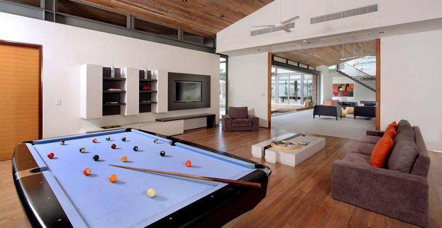 6-Villa Amarelo - Pool table at entertainment room