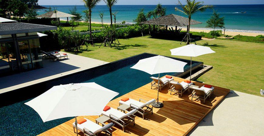 6-Villa Malee Sai - Poolside sun loungers