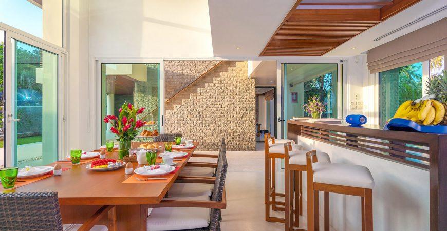 8. Villa Yaringa - Dining area details