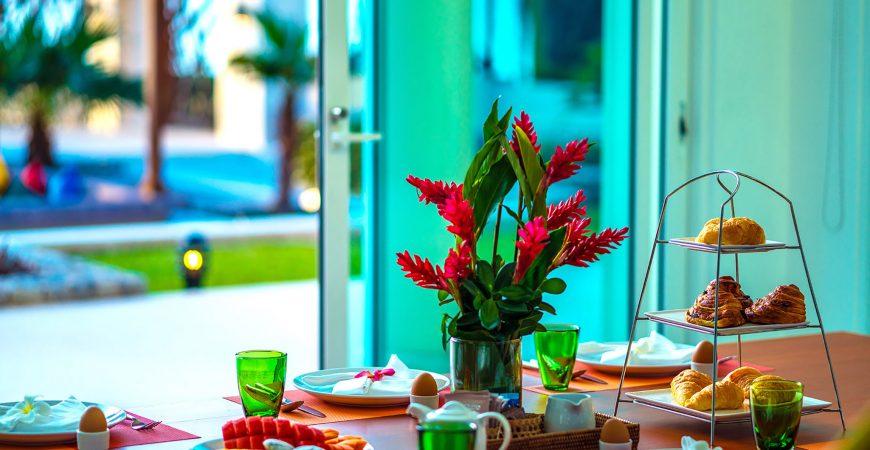 9. Villa Yaringa - Sumptuous breakfast