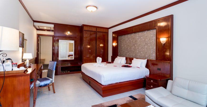 Honeymoon suite 2290_191101_0004