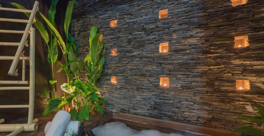 Villa Saanti - Bathtub night vibes
