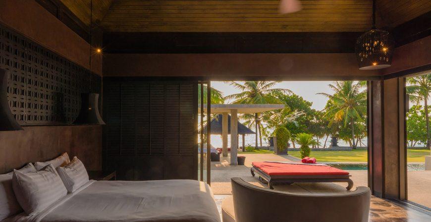 Villa Saanti - Bedroom pool view
